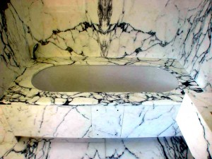 Arabescato Marble Bath Surround - Holland Park Mansions