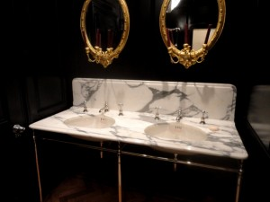 Arabescato Vanity Top with ogee Edge Detail